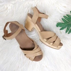 Toms 'Beatrix' Sandstorm wood sandals clogs